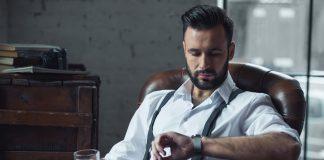 Using a smartwatch as a fashion accessory